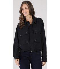 jaqueta feminina ampla com bolsos preta