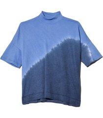 signature jersey mock neck boxy top in sky tie dye