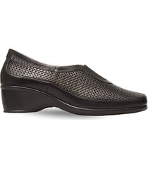 zapato perforado con elastico negro caprino