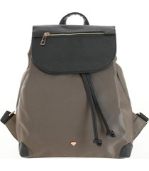 mochila bolsillos marrón i-d
