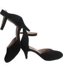 tacones negros elegantes punta suave