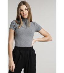 blusa feminina canelada com zíper de argola manga curta gola alta cinza mescla