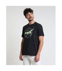 camiseta masculina nasa brilha no escuro manga curta gola careca preta