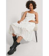 na-kd boho maxiklänning med volang - white