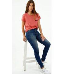 camiseta de mujer, silueta confort cuello redondo manga corta, con estampado bicolor