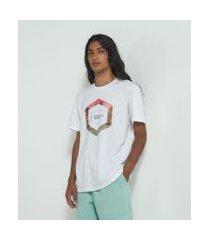 camiseta manga curta com estampa hexágono   ripping   branco   gg