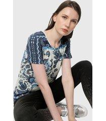 camiseta azul-blanco desigual