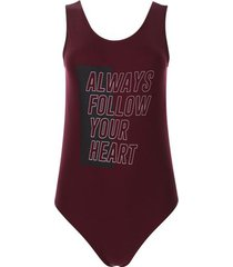 body heart color vino, talla 8