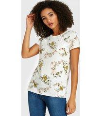 yoins camiseta blanca redonda con estampado floral aleatorio y detalle de encaje cuello