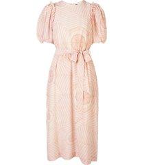 pink puffed sleeve dress