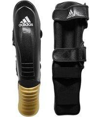 caneleira com protetor de pé adidas super pro
