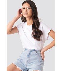 na-kd basic round neck cap sleeve t-shirt - white