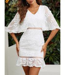 yoins mangas abullonadas con cuello de pico y bordado en blanco vestido