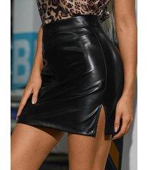 minifalda con dobladillo con abertura de cuero pu de yoins