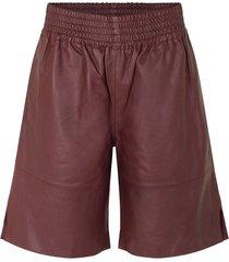 ariah shorts in decadent choco