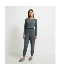 pijama longo com textura canelada estampa chill all day   lov   cinza   p
