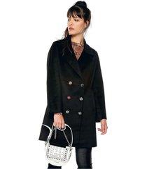 abrigo negro desigual