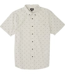 men's billabong all day jacquard short sleeve button-down shirt, size small - ivory