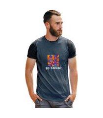 camiseta art abstrata masculina ilustraçáo color