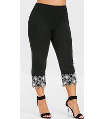 plus size lace applique capri leggings