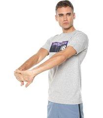 camiseta lifestyle new balance prsmprpl