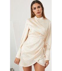 yoins albaricoque cuello alto jacquard mini vestido