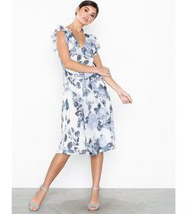 nly eve layered chiffon dress loose fit