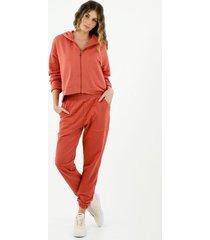pantalón de mujer, silueta amplia tipo jogger, color naranja
