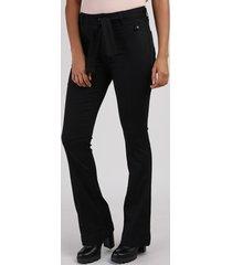 calça de sarja feminina sawary flare cintura alta com faixa para amarração preta