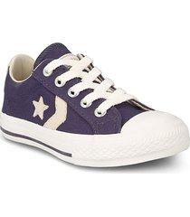 zapatilla violeta converse star player noturno