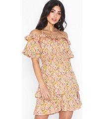 nly trend flower off shoulder dress skater dresses