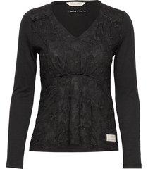 wearing a dream top t-shirts & tops long-sleeved zwart odd molly