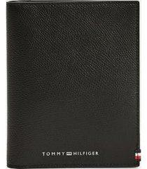 tommy hilfiger men's flag passport wallet black -