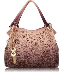 donna vintage borsa a spalla traforata con pendente di stile retro ed elegante