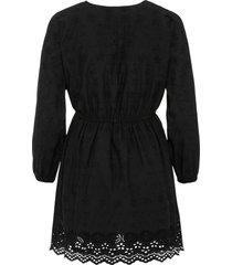 jurk met borduursel en kant