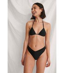 curated styles återvunnen högt skuren v-formad bikinitrosa - black