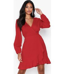 ax paris long sleeve wrap flounce dress klänningar