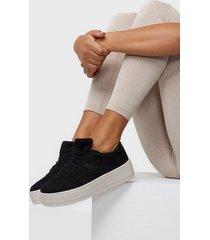 duffy faux suede platform sneaker low top