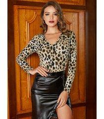 yoins body de manga larga con cuello en v de leopardo marrón