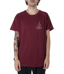 camiseta longline gold moon snake bordã´ stoned - vinho - masculino - algodã£o - dafiti