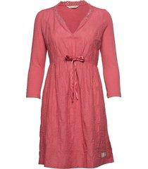 leaving happier dress knälång klänning rosa odd molly