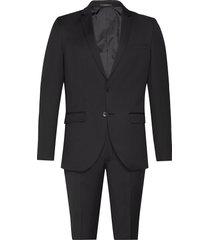 karl suit kostym svart bruuns bazaar