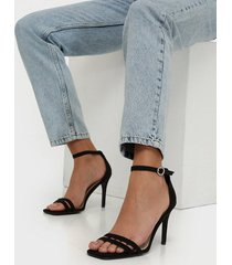 nly shoes round buckle heel sandal high heel svart