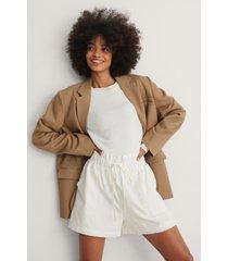 na-kd shorts - white