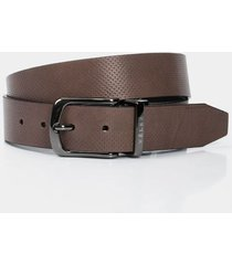 cinturón doble faz de cuero para hombre perforado