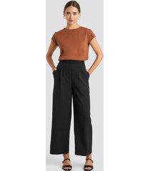 na-kd elastic detail wide pants - black
