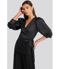 na-kd party puff sleeve wrap blouse - black