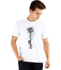 camiseta ouroboros manga curta chave masculina