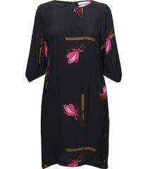 dress w. mokuren print korte jurk zwart coster copenhagen