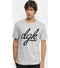 camiseta dgk script masculina